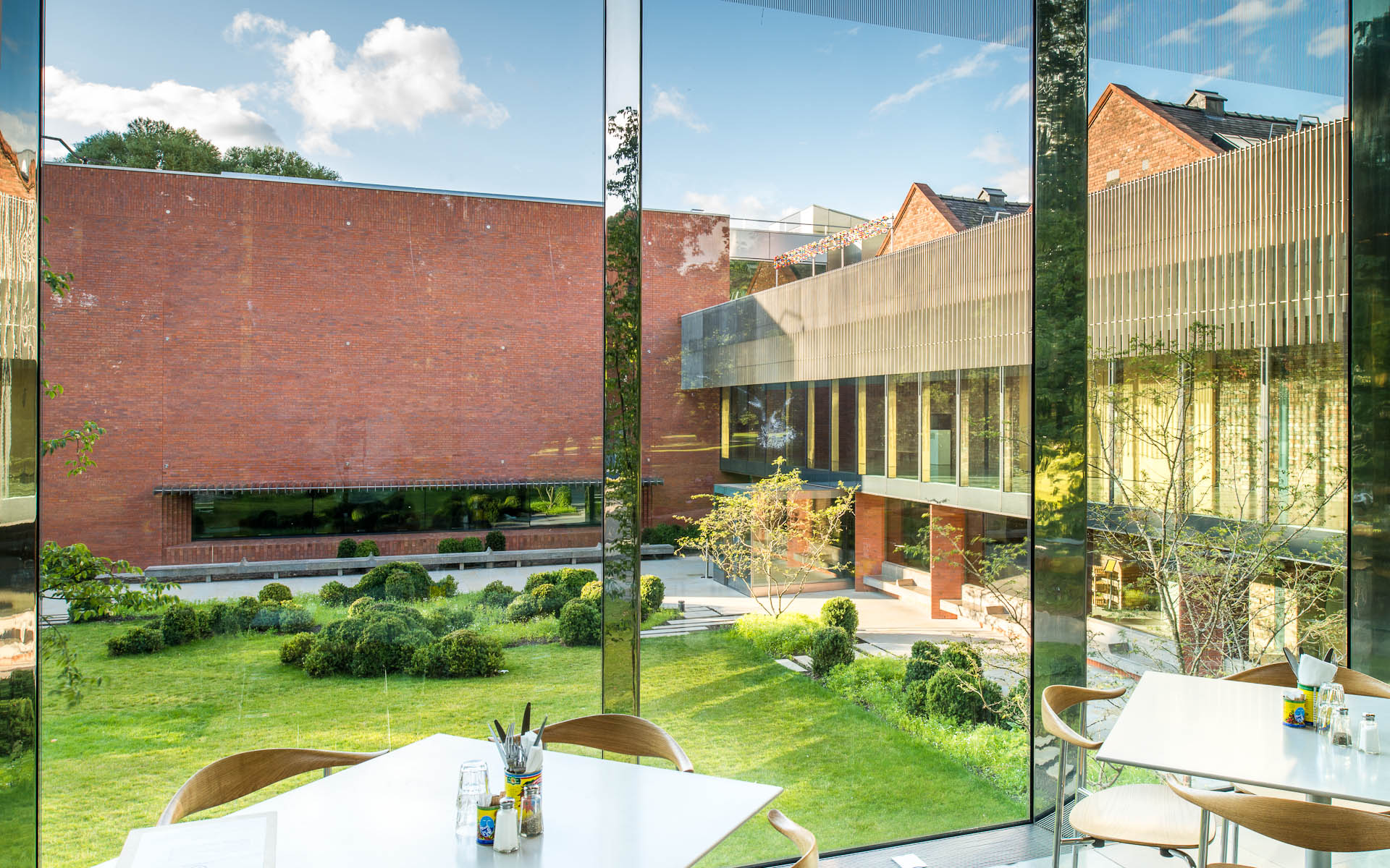 WHITWORTH ART GALLERY, MANCHESTER |  MUMA